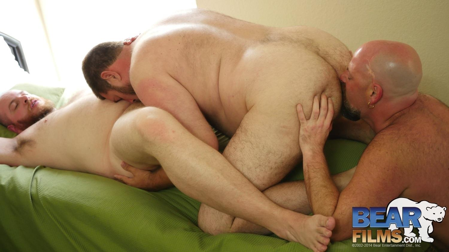 Bear-Films-Andrew-Mason-and-Chef-Bear-and-Sid-Morgan-Chubby-Bears-Threeway-Bareback-BBBH-Amateur-Gay-Porn-14 Chubby Bear Boyfriends Hookup With Another Bareback Chub