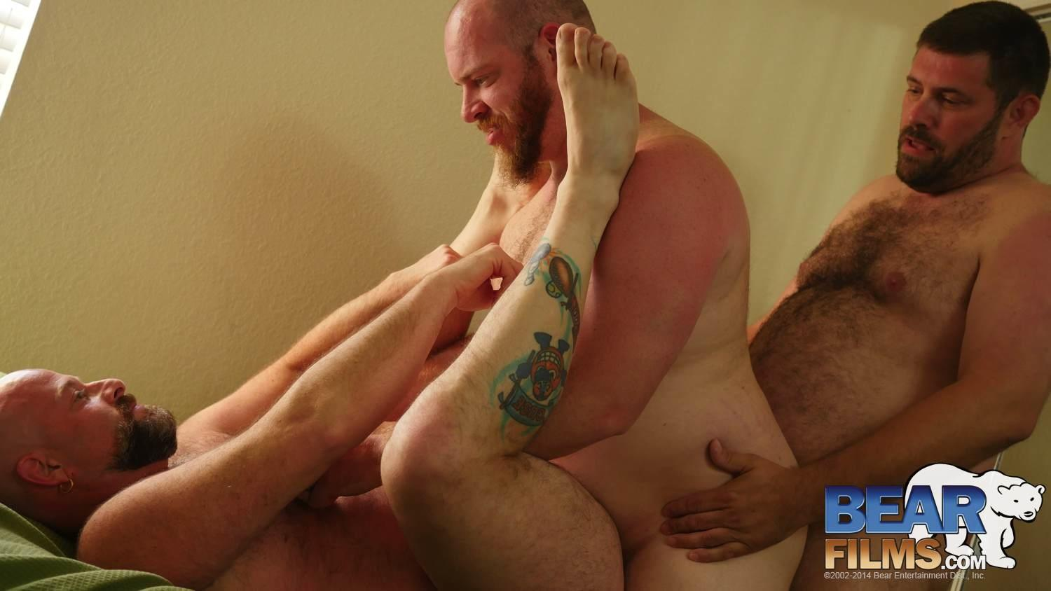 Bear-Films-Andrew-Mason-and-Chef-Bear-and-Sid-Morgan-Chubby-Bears-Threeway-Bareback-BBBH-Amateur-Gay-Porn-15 Chubby Bear Boyfriends Hookup With Another Bareback Chub